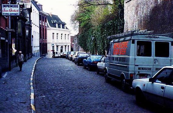 De rue Terre du Prince in Bergen waar op 8 januari 1983 de taxi en het lijk van Angelou werd teruggevonden.