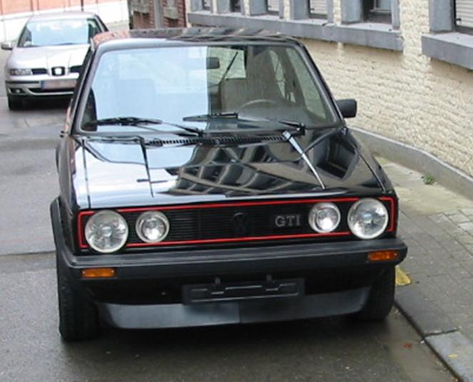 Een zwarte Volkswagen Golf zoals de Bende van Nijvel er één gebruikte in Beersel.