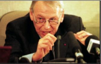 Jean Deprêtre voor de Bendecommissie.