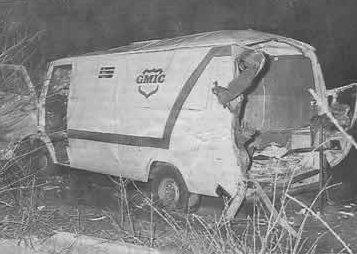 Het GMIC-geldtransport na de bloedige overval.