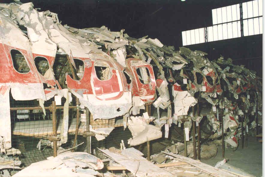 De brokstukken van de DC9.