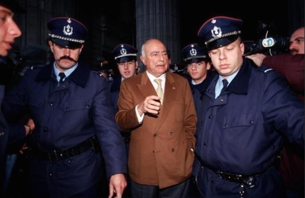 Paul Vanden Boeynants op weg naar zijn proces.