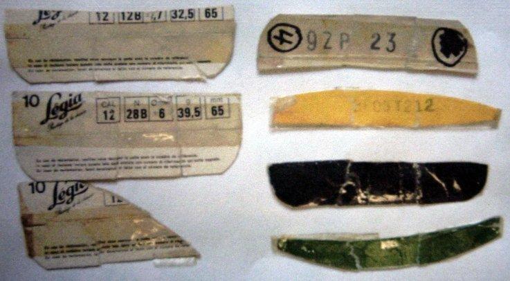 De afgescheurde lippen van het bovenste deel van munitiedozen kaliber 12.